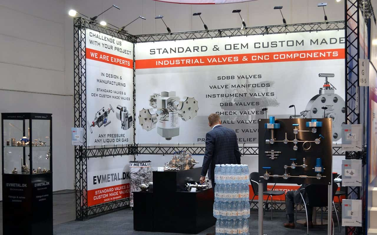 Grafisk design - messestand